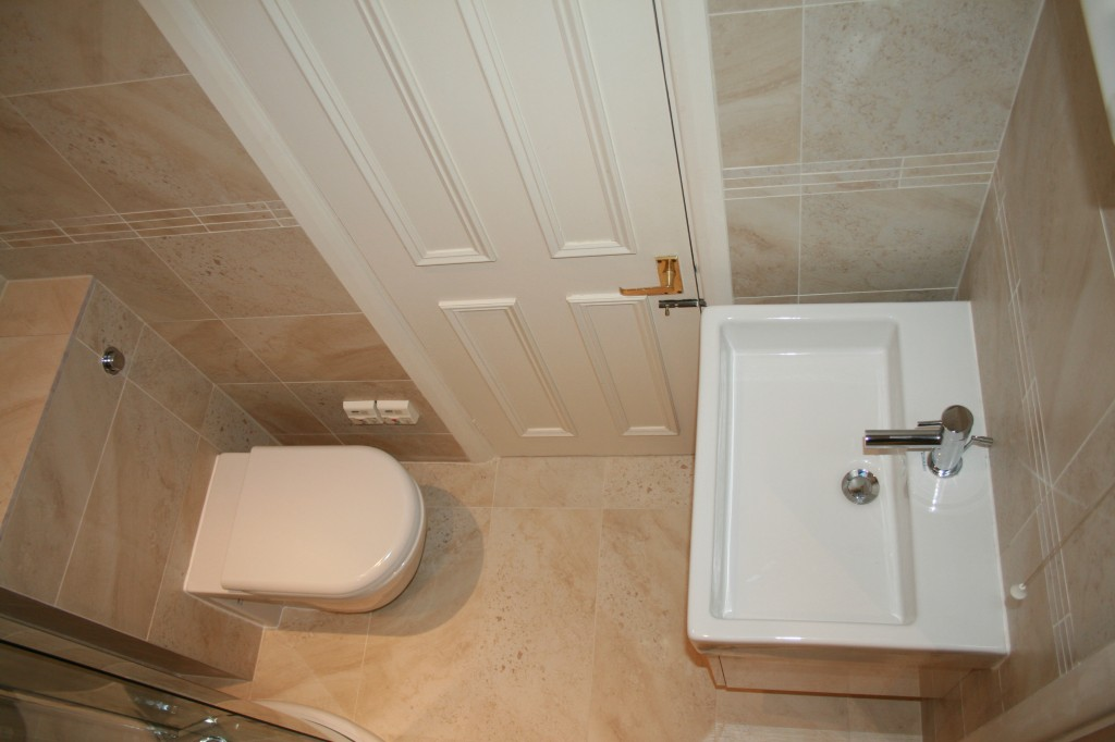 Bathroom types designs layouts aquanero bathrooms for Toilet and bath design small space