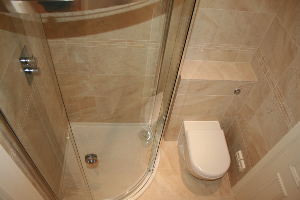Bathroom types designs layouts aquanero bathrooms for Small shower room designs pictures