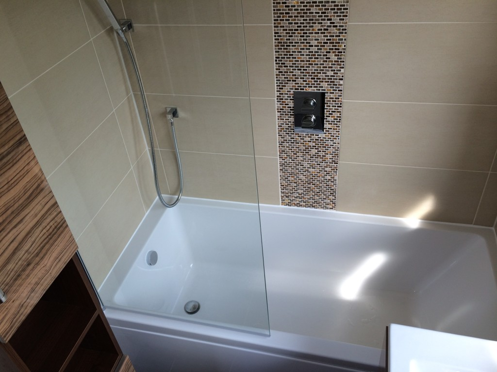 Medium Bathroom. Bathroom Types  Designs  amp  Layouts   AQUANERO BATHROOMS